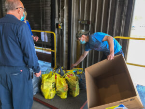 Mincon Canada Lends a Helping Hand to Local Food Bank 2